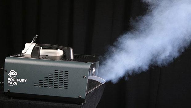 Hybrid-Gerät: American DJ Fog Fury Faze im Einsatz